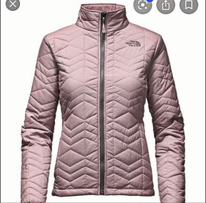 NORTH FACE BOMBAY JACKET LARGE for Sale in Oceanside, CA