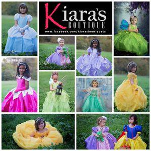 Vestidos de Princesas de Disney for Sale in Fort Worth, TX