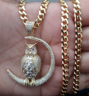 FULLY icedout OWL pendant with Cuban link chain for Sale in Los Angeles, CA