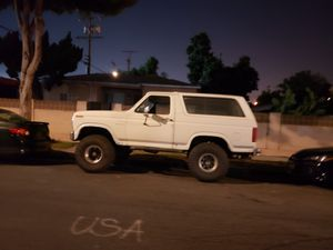 Bronco 85 lifted on 37s for Sale in Commerce, CA