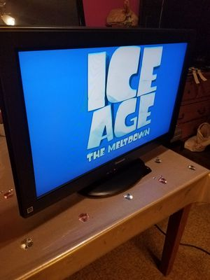 "PANASONIC TV 32""INCH TRABAJA BIEN TIENE SU CONTROL ORIGINAL HDMI PORTS for Sale in Tustin, CA"
