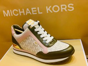 MICHAEL KORS SIZE 7 for Sale in Queens, NY