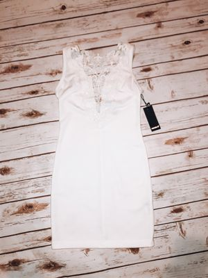 Forever 21 white embroidered dress for Sale in Fontana, CA