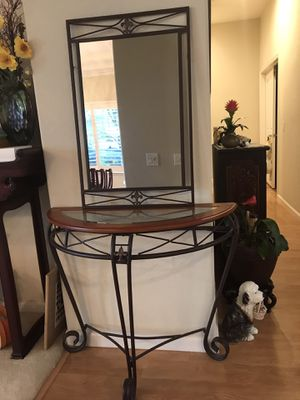 Beautiful hallway/entrance table & mirror set for Sale in Elk Grove, CA