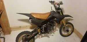 Gold & black Honda 125 with upgraded every thing for pit bike racing  $2k (new with parts 5k) for Sale in Los Angeles, CA