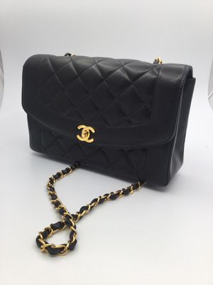 Chanel Diana Flap Bag for Sale in Oceanside, CA