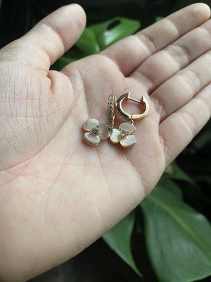 Kate spade flower earrings for Sale in Winter Park, FL