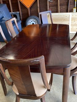 Dining Table With 6 Chairs for Sale in St. Louis,  MO