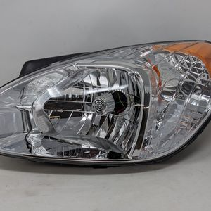 2007-2011 Hyundai Accent Aftermarket Headlights for Sale in Huntington Park, CA