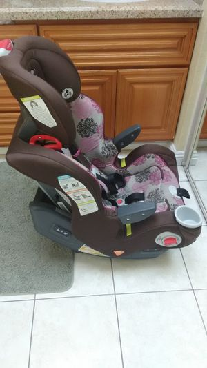 graco grows with child carseat for Sale in Anaheim, CA