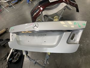 Mercedes Benz E350 trunk lid for Sale in Fremont, CA