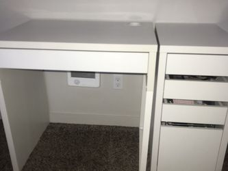 IKEA Micke Desk And Micke Drawer for Sale in Vancouver,  WA