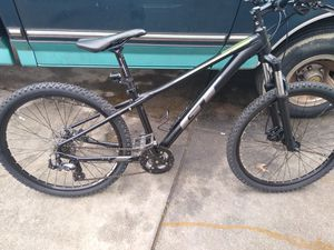 GT avalanche mountain bike for Sale in Virginia Beach, VA