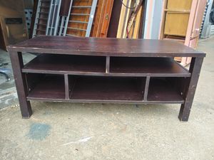 """Coffee Table 20""""tall 50""""wide & 22""""deep for Sale in Channelview, TX"""