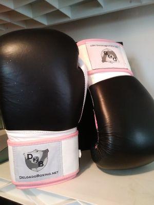 Delgado boxing gloves for Sale in Atlanta, GA