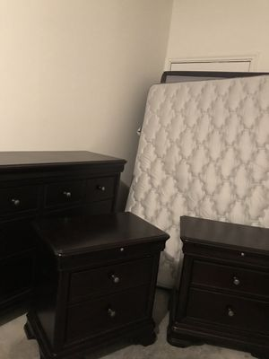 Full size bedroom set (dark brown) for Sale in Carrollton, TX