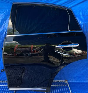 2009 - 2017 INFINITI FX35 FX37 FX50 QX70 REAR LEFT DRIVER SIDE DOOR BLACK for Sale in Fort Lauderdale, FL