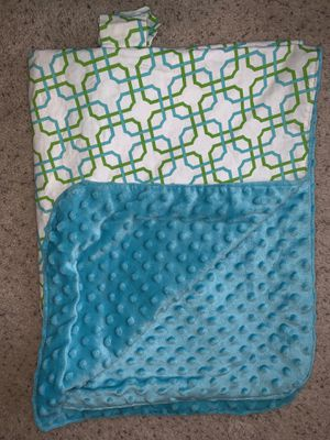 Baby carrier car seat cover for Sale in Rootstown, OH
