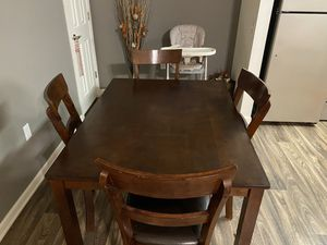 Dining table for Sale in Avon, OH