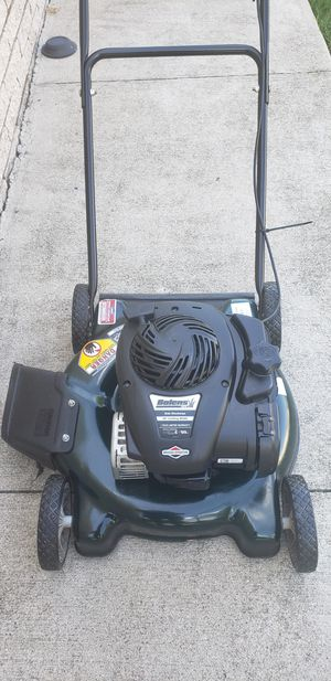 PUSH LAWN MOWER BRIGGS &STRATTON for Sale in Dearborn Heights, MI