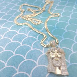 14 karat gold over silver 4mm Cuban Link chain and pendant set.... Heavy official look! 🌟🌠🌴🤝 for Sale in Hollywood,  FL