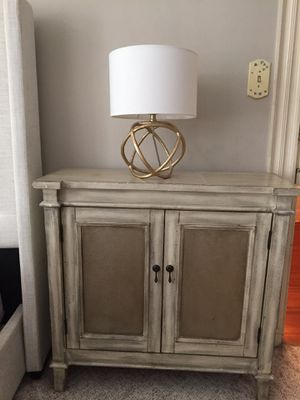 King bed frame and nightstand set for Sale in New Market, MD