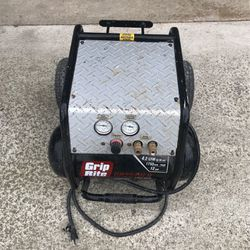 Grip Rite Compressor for Sale in Federal Way,  WA