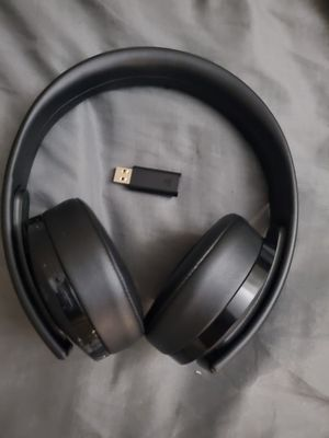 Playstation Gold Wireless Headphones for Sale in Clifton, NJ