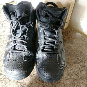 Air Jordan 6 Retro OG Black Cat Youth Basketball Shoes 100% Authentic 384665- 020 SIZE 6Y for Sale in Chicago, IL