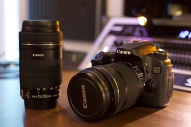 Canon 70D DSLR with EFS 18-135 and EFS 55-250 for Sale in Boulder,  CO