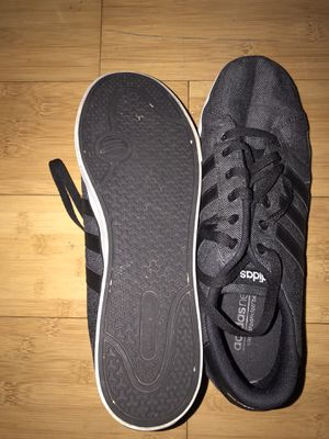 Adidas. Black men's low top for Sale in Rancho Cucamonga, CA