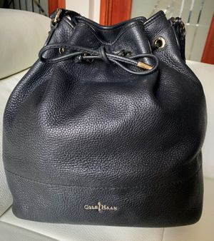 Cole Haan Italian Leather Large Bucket Tote Bag for Sale in Queens, NY
