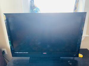 GREAT CONDITION VIZIO 40 inch HD TV for Sale in Washington, DC