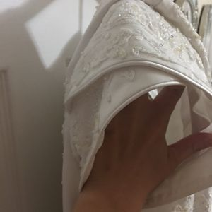 Size 20 Beautifully Modest Wedding Dress for Sale in Tampa, FL