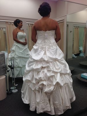 New Wedding Dress, women's 16 for Sale in Hayward, CA