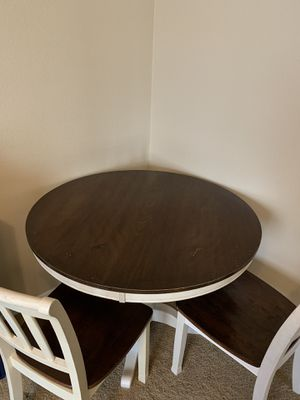 Breakfast Table with 4 chairs for Sale in Chula Vista, CA