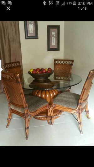 Dinner table and 4 chairs for Sale in West Palm Beach, FL