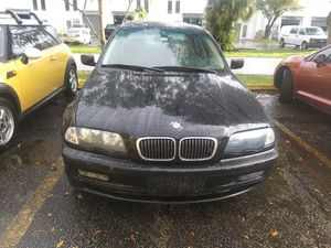 2000 BMW 3281 FOR PARTS for Sale in Pompano Beach, FL