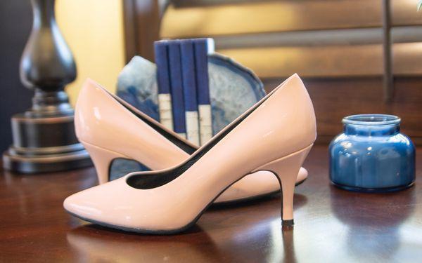 Elegant Champagne Pink Pumps