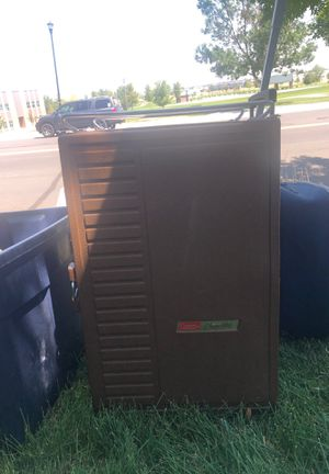 Vintage Coleman ice box for Sale in Brighton, CO