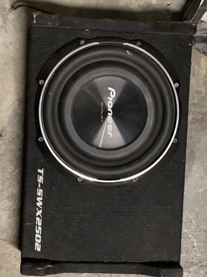 Pioneer 10 inch sub with box for Sale in Corona, CA