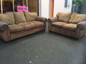 Fantastic Couch and Loveseat Set - Delivery Available for Sale in Tacoma, WA
