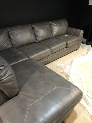 Sectional couch for Sale in Hillcrest Heights, MD