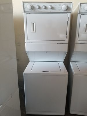 Whirlpool stackable washer and GAS dryer works great fully functional very clean for Sale in Los Alamitos, CA
