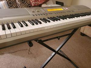 casio piano wk-200 for Sale in Glenview, IL