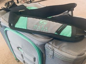 6 Pack Fitness Travel Cooler for Sale in Kirkland, WA