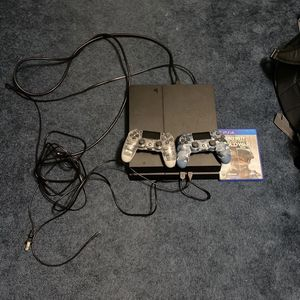 ps4 w/ two controllers and cold war and turtle beach recon headset / 500gb for Sale in Lewes, DE