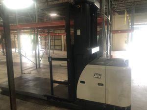 Forklift Crown Order Picker for Sale in Medley, FL