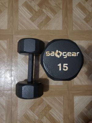 15 pound dumbbells for Sale in Miami Gardens, FL