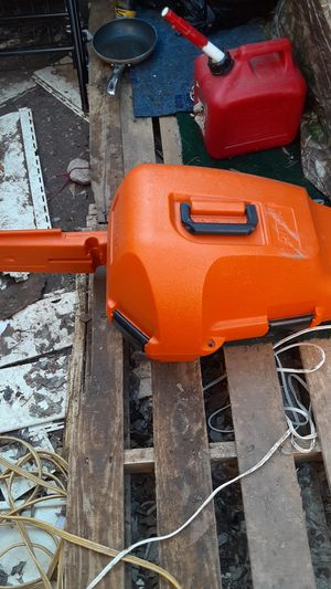 Selling my Stihl MS250 chainsaw! Practically BRAND NEW PEOPLE! for Sale in San Antonio, TX
